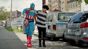 Super héros / En déplacement